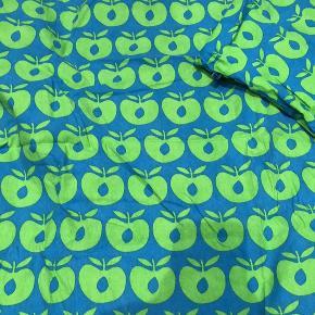 Junior sengetøjssæt fra småfolk. Brugt meget lidt, fremstår som ny 😊