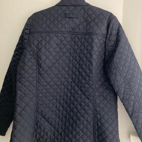 Serena Quilt jacket.   Aldrig brugt, fejler intet.  Bryst (under armene) måler ca 112 cm.