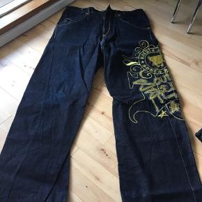 2 par Riddle bukser i str 36 og 38.   Mindre brugs tegn, se billeder.   Prisen er samlet