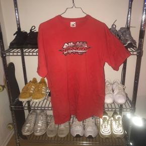 Vintage Fruit of the Loom t-shirt med sindssygt fedt Tekken print på!