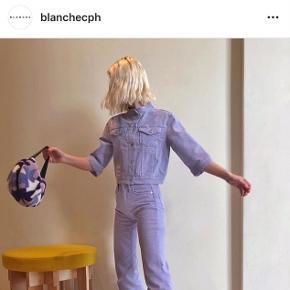 Smukkeste lilla Blanche jakke i str. 34, brugt 2 gange. Nyprisen er 1.300 og jakken er i butikkerne nu🌸🌸🌸