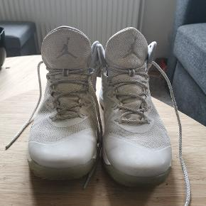 Nike Air Jordan Superfly 3 All Star Pearl. Kun skoene der er på billedet.