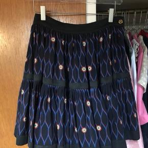 H&M kenzo Nederdel mørkeblå str 36  Brugt meget sparsomt, ingen tegn på slid