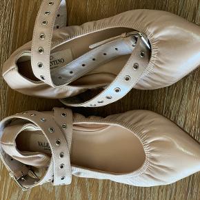 Virkelig fine sko med ankelremme ;)