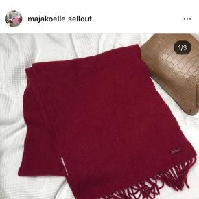 LACOSTE tørklæde