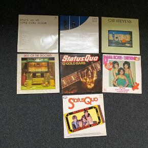 LP'er fra mange forskellige artister. De har nogle skønshedsfejl, men selve LP'en fejler ikke noget.   20kr. pr. stk.   The Doobie Brothers - Best of the doobies Status Quo - Pictures of Matchstick Man Status Quo - 12 Goldbars Diana Ross and the Supremes Cat Stevens - Teaser and the Firecat Joe Jackson - Night and Day Stars on 45 - Long play album Stars on 45 - Vol.2 (Maxi single) Cat Stevens - Greatest Hits Fleetwood Mac - Big Love (Maxi Single) ZZ Top - Sleeping Bag (Maxi Single) Bon Jovi - Wanted or Alive (Maxi Single) ZZ Top - Velcro Fly (Maxi Single) Scorpions Live ( Maxi Single) The Emotions - Sunbeam Simon and Garfunkel's - Greatest Hits Smokie - Greatest Hits Slade - Sladest Shocking Blue - Greatest Hits The Moody Blues - This is the moody blues Shocking Blue - The best of Shocking Blue The Alan Parsons Project - Limelight