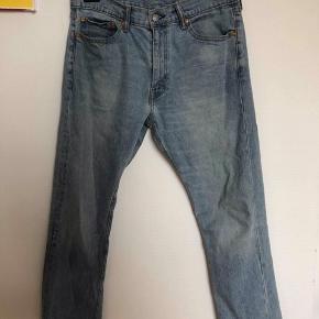 Levis bukser 513 str 34w/30l står i en udemærket stand