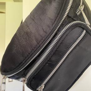 Nunoo bæltetaske
