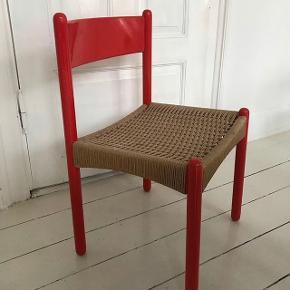 Rød stol Arkitekt tegnet