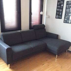 Chaiselong sofa fra Idémøbler fra ikke-ryger hjem. Sofaen står som næsten ubrugt og har ingen pletter. Der medfølger nakkestøtten. Nypris: 5600 kr. Fra 2017  Skriv gerne for yderligere spørgsmål og kom med et bud