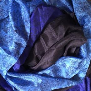 100 % silke tørklæde i flotte farver fra Aperitif.  Str 206 x 115 cm. Lidt svært at måle.