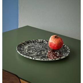 Nyt keramik fad fra nørr & Leo studio. Nypris 350 kr.