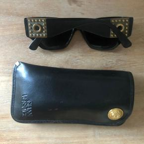 Vintage Versace Wome's Sunglasses. Used but in very good condition. The case has stains on it that is on the picture. Model 489; Color 852 BK  Price when bought unused: 1000kr  https://www.ebay.com/itm/Vintage-GIANNI-VERSACE-Sunglasses-Mod-489-Col-852-BK-90s-Biggie-Rihanna-/253385549203