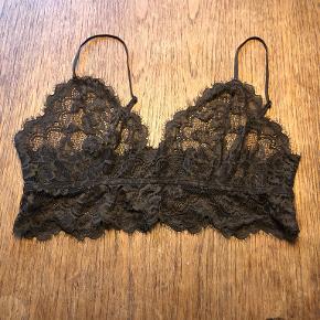 Weekday lingeri