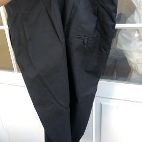 Lækre bukser med lidt baggy effekt  Aldrig brugt