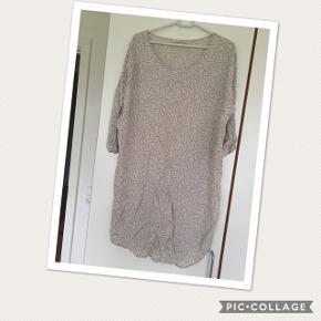 Kjole str M, af mærket Pieces, den er købt i Vero Moda. Den er aldrig brugt, så er som ny. Prisen er 45 kr pp med dao🌺 Bruger mobilepay😊
