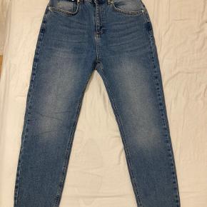 Mom jeans fra Na-kd. Brugt én gang