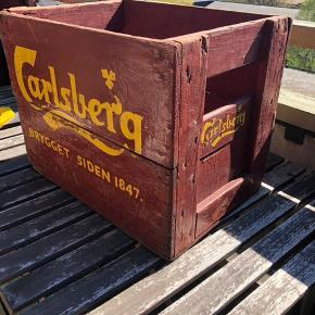 Sælger min Carlsberg kasse. Skal afhentes på Frederiksberg.  Har også 2 Tuborg kasser på en anden annonce, hvis det kunne friste.