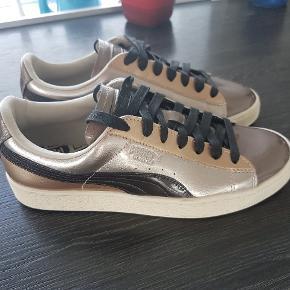Puma sneakers   Str 38  Aldrig brugt