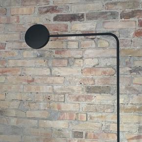 Super fin lampe. Ingen skræmmer. Fungerer helt som ny.
