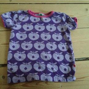 Varetype: T-shirt bluseStørrelse: 92-98 Farve: Lilla