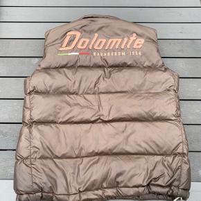 Lækker Vest fra Dolomite. Se billeder for stand, hvilket er afspejlet i prisen. Nypris 1499,-