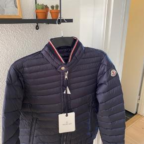 Helt ny lækker jakke. Fejler intet