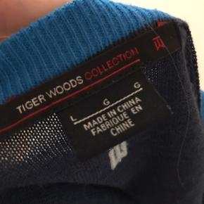 Super lækker sweater fra NIKE  55% uld Str L, men kan bruges som oversize Fejler intet   Mp 200kr