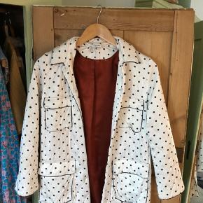 Så fin jakke fra Ganni. Bemærk pletten bagpå - har ikke forsøgt at fjerne den 🌸   #secondchancesummer