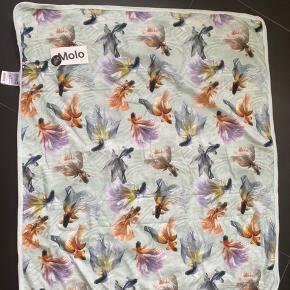 Fint tæppe fra MOLO Sprit nyt med mærke Str er 75x85 cm Bytter ikke!