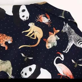 Price is fixed. Never used. The animal print is as on the pictures, upside down 🙃