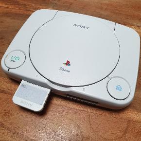 Playstation one. Med memory card og crash team racing