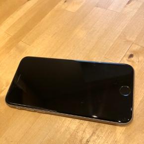 Rigtig fin og velholdt iPhone 6s 64gb. Incl. Ladekabel.