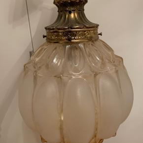 Fin gammel loftlampe  Ca 39Ø hvor den er bredest