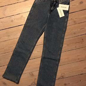 Størrelse 30/34. High rise straight CK jeans