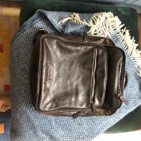Lækker rygsæk i læder