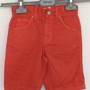 Varetype: Shorts, aldrig brugt Størrelse: 4 år Farve: Burnt sienna Oprindelig købspris: 400 kr.