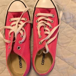 Varetype: Løbesko Størrelse: 37.5 Farve: Pink