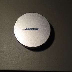 Bose sleepbuds oplader / charger, sælges...    Da jeg desværre er kommet til at smide hovedtelefonerne ud, kan jeg lige så godt sælge opladeren..    SE OGSÅ MINE ANDRE ANNONCER.. :D