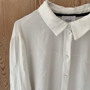 Hvid skjorte fra Zizzi i str. M 🤩