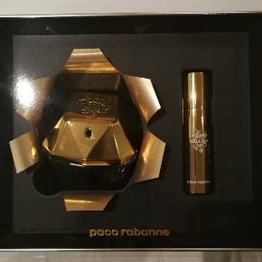 Helt ny Paco Rabanne One million laby. Er ægte og købt i dansk butik.  NP 765 kr. NU 350 kr. Se på billederne for mere information.
