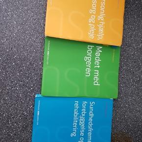 Hey jeg sælger min sosu hjælp bøger alle 3  så byd! Det er god pris! 😃 Skal afhentes i Taastrup!