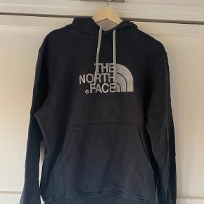 Lækker hoodie fra THe North Face, som absolut intet fejler