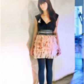 Super fin sart rosa nederdelen flæser / flæsenederdel
