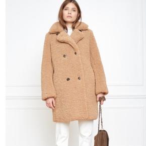 Mkt Studio, Style: Madime Faux teddy. Lækker jakke fra Mkt studio. Populær omblogget jakke. Passer 38/40, M.  Smid et bud, sælges billigt :-)