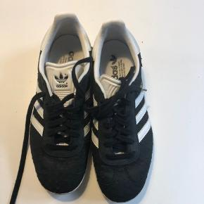 Fede Adidas Gazelle croco - meget pæn stand. Str. 39 1/3