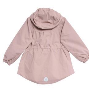 Lækker overgangsjakke, som ny, uden slid pletter osv. Brugt til pæn jakke få gange. Nypris 650