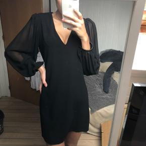 Smuk kjole fra zara  Brugt 1 aften