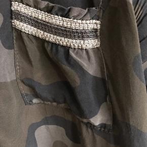 Fed skjorte, brugt 1 gang Str m