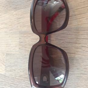 Dior solbriller, få tegn på slid, købt for nogle år siden. BYD!!